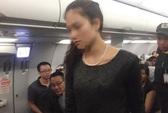 """""""2 bà, 1 ông"""" đánh nhau trên máy bay: Người tình chọn chỗ ngồi bên cạnh"""
