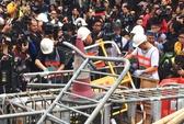 """Hồng Kông bắt đầu """"nhổ"""" biểu tình khu Kim Chung"""