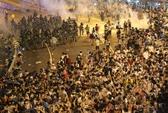 Đường phố Hồng Kông thành chiến trường