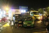 TP HCM: Chờ đèn đỏ, 4 người bị xe điên tông trọng thương
