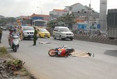 Một thanh niên bị xe tải cán chết trên quốc lộ