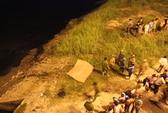 Đang ngồi tâm sự bỗng phát hiện xác người trôi sông