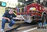 Mỹ: Bị trăn quấn cổ, lao xe vào đồn cứu hỏa