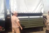 Xe bọc thép Nga băng qua biên giới Ukraine