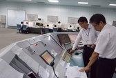 Không trả lương 10 kiểm soát viên không lưu kém tiếng Anh