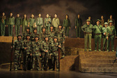Nhà hát kịch nói Quân Đội không ép dân mua vé
