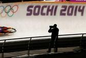 """Phó thủ tướng Nga """"gắn"""" máy quay vào phòng tắm ở Sochi"""