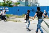 """Ngăn chặn 40 thanh niên hỗn chiến với """"đồ chơi"""" nguy hiểm"""