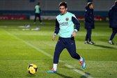 Messi trở lại, biểu diễn ghi bàn từ phía sau cầu môn