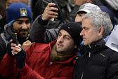 HLV Mourinho tỏ vẻ khiêm tốn sau trận thắng Man City