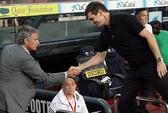 HLV Mourinho thương tiếc Vilanova, người bị ông chọc mắt