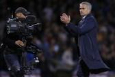 HLV Mourinho lại chỉ trích trọng tài