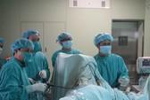 Phẫu thuật nội soi cắt ung thư đại tràng qua ngả âm đạo