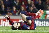 """Costa, Pique cùng """"rủ nhau"""" chấn thương"""