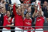 Arsenal ngược dòng thắng Hull, đăng quang FA Cup