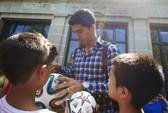 Trước ngày 25-10, Suarez chỉ được đá... giao hữu
