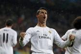 Ronaldo san bằng kỷ lục của Messi ở Champions League
