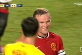 """Rooney suýt ghi bàn thắng """"ma"""""""