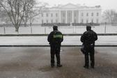 """Nước Mỹ """"cứng người"""" vì bão tuyết"""