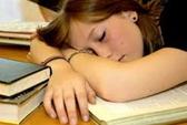 Thanh thiếu niên thiếu ngủ dễ bị béo phì