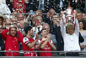 """Đoạt cúp FA, HLV Wenger """"thề"""" sẽ ở lại Arsenal"""