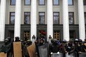 Ukraine lún sâu vào chia rẽ