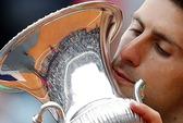 Djokovic chờ soán ngôi Nadal