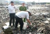Đột kích khu chôn chất thải khổng lồ