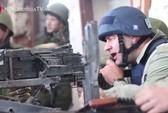 """""""Du lịch chiến tranh"""" ở Đông Ukraine"""