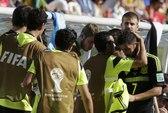 David Villa bật khóc ở trận cuối chơi cho Tây Ban Nha