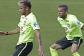 Neymar, Alves bắt chước tuyển Romania ở World Cup 1998