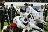 Nội bộ Swansea rối ren: 6 cầu thủ đánh nhau trên sân tập