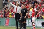 """HLV Wenger """"nổ"""" về hàng công sau khi Arsenal đè bẹp Man City"""