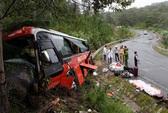 Lật xe khách ở Lào, 1 người chết, 7 người bị thương