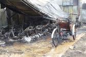 Hàng trăm xe máy bị cháy trơ khung