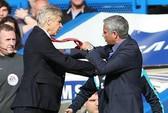 Ông Wenger không hối hận khi xô HLV Mourinho