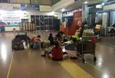 Vietnam Airlines hủy chuyến, bỏ hành khách vạ vật ở sân bay