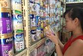 Giá sữa khó giảm