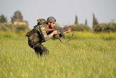 """Mỹ hé lộ """"lương' trả cho quân nổi dậy Syria"""