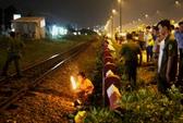 Băng qua đường ray đón taxi, người đàn ông bị tàu hỏa tông chết