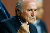 Blatter phản pháo, châu Âu tuyên chiến