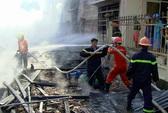 Cháy lan thiêu rụi 3 căn nhà, bé 9 tuổi tử vong