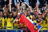 Sanchez ghi siêu phẩm, Arsenal giữ được Cúp FA