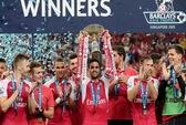 Cech giành Asia Trophy Cup ngay trận đầu ra mắt Arsenal