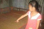 Ông lão hàng xóm bị tố hiếp dâm bé gái 10 tuổi sang biếu cá