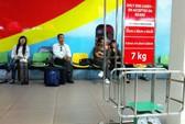 Nữ hành khách tát vào mặt nam nhân viên hàng không