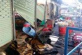 Bà hỏa thiêu rụi 7 ki-ốt trong Chợ Đầu mối Nông sản Thủ Đức