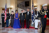 Ông Obama ngâm thơ tặng thủ tướng Nhật