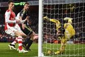 Giroud lập cú đúp, Arsenal vào tứ kết FA Cup