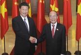 Chủ tịch QH Nguyễn Sinh Hùng lên đường thăm Trung Quốc
